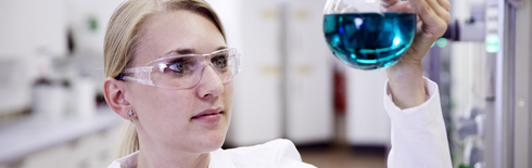 Synthesis of ionic liquids (Photo: IoLiTec GmbH)